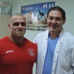 """Операция на културиста Атанас Николаев в """"Софиямед"""""""